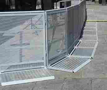 Anti-avalanche fences